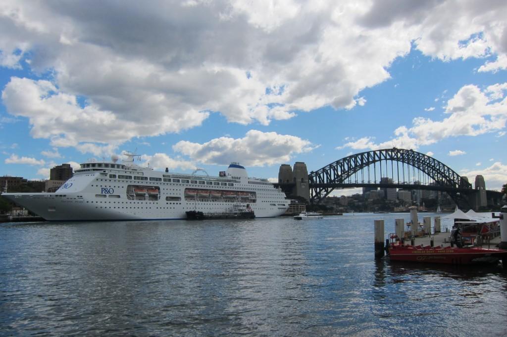 I Hate Sydney Darling Harbour Smell
