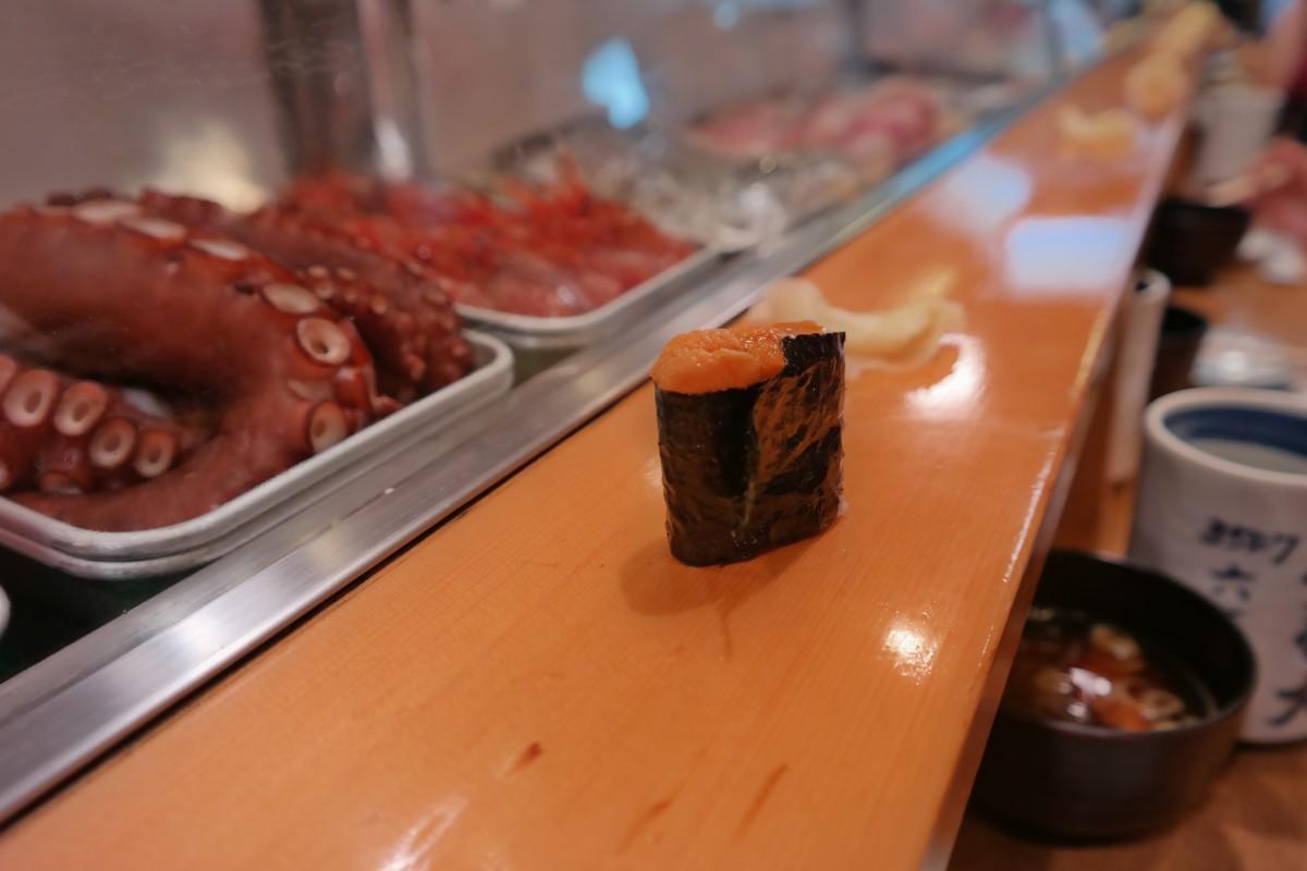 Sea urchin sushi dai